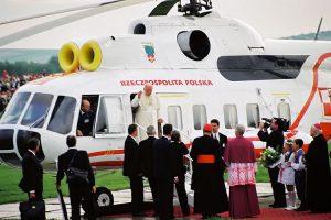 Papież Jan Paweł II lotnisko Targowiska, lądowanie